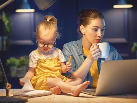 Запитайте юриста: як вийти на роботу під час відпустки для догляду за дитиною?