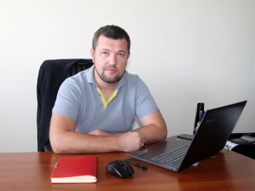 «Каждые полтора года – новые вызовы и достижения»: история успеха от начальника управления сервиса Фокстрот