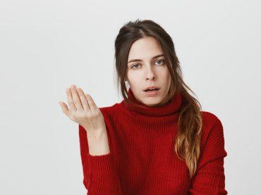 7 фраз, які дратують вашого співрозмовника: чим їх замінити?
