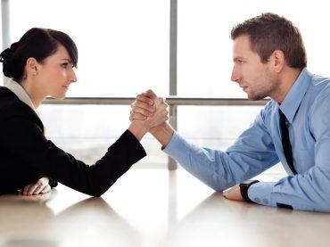 Гендерные «качели»: карьерные провалы и зарплатная недостаточность