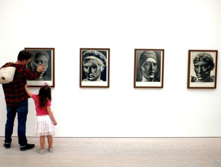 «Єдина можливість знайти роботу у сфері мистецтва – це зв'язки і знайомства»: інтерв'ю з мистецтвознавицею Ксенією Ульяновою