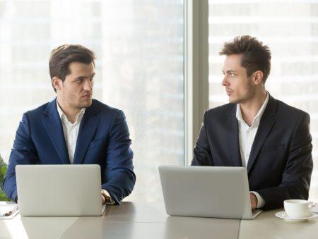 Ненависть колег: як її виявити та змінити на любов