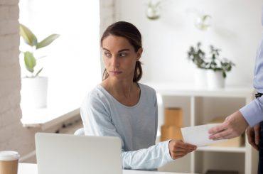 Запитайте юриста: яку відповідальність несе працівник за майнову та моральну шкоду?