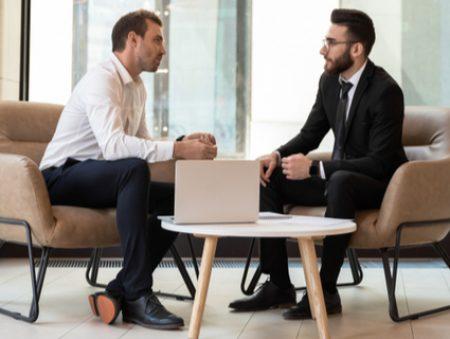 Вас хантять: 9 порад щодо вибору тактики поведінки