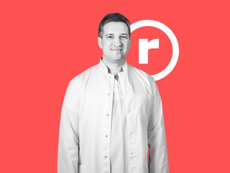 Ігор Жовтоштан, акушер-гінеколог: «З досвідом звикаєш спати «в кедах» – готовий будь-якої миті зірватися на пологи»