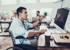 Інклюзивність на ринку праці: як роботодавці ставляться до людей з інвалідністю