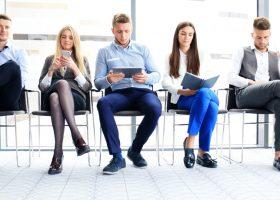 Шанси є: 9 порад, як шукати роботу та керувати кар'єрою в кризовий період
