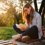 Сім книг, щоб забути про карантин і повернутися до життя