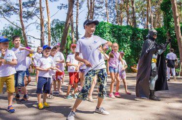 Роль дітей у роботі цілком дорослої компанії KIDDISVIT, яка працює на ринку іграшок України вже більше 23 років
