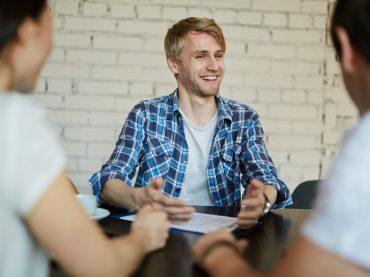 «Розкажіть про себе»: як правильно презентувати себе на співбесіді
