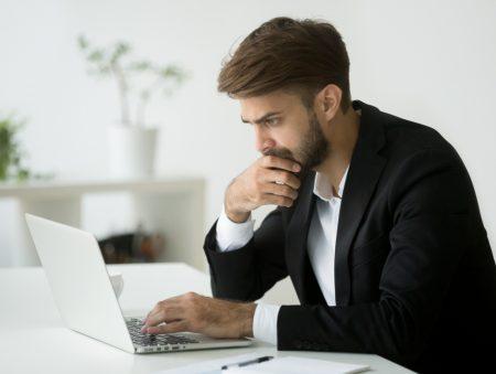Всидіти на двох стільцях: як шукати нову роботу, не звільняючись зі старої