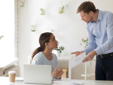 Коли критика не на користь: як правильно реагувати на деструктора?
