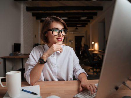 Запитайте юриста: на які виплати розраховувати під час виконання обов'язків відсутнього працівника?