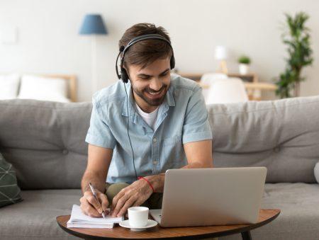 Жовтневі пропозиції: топ-10 вакансій для віддаленої роботи