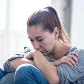 Як розпізнати та лікувати депресію: поради психолога