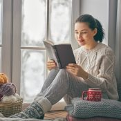 Груднева книгарня: добірка для приємного та корисного проведення часу