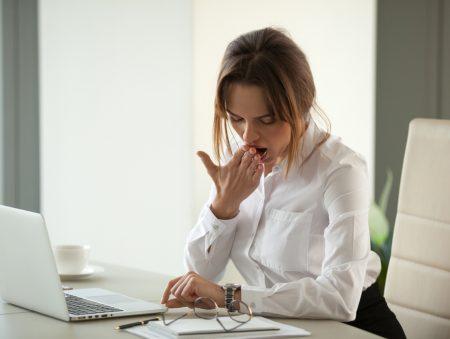 Не кавою єдиною: як побороти сонливість на роботі