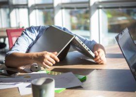 Залежність від роботи: як діагностувати та позбутися