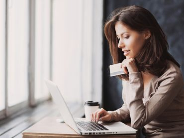На що витрачати гроші, щоб стати щасливішими: сім порад