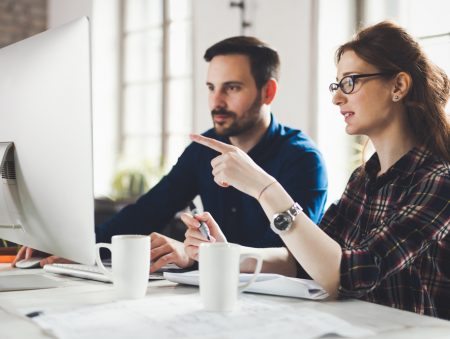 Запитайте юриста: що робити, якщо роботодавець затримує або зменшує зарплату?