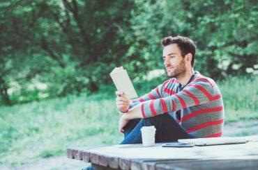 Травнева книгарня: що читати напередодні літа
