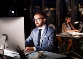 Запитайте юриста: чи має роботодавець організовувати перевезення співробітників, які працюють у нічний час?