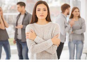 Соціальна тривога: що робити, якщо важко спілкуватися з колегами? Поради психолога