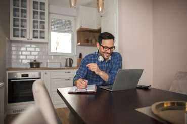 Як працівники та компанії ставляться до віддаленої роботи: дослідження Lenovo