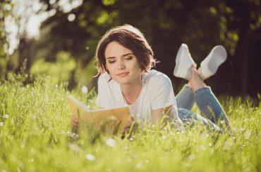 Червнева книгарня: що читати у перший місяць літа