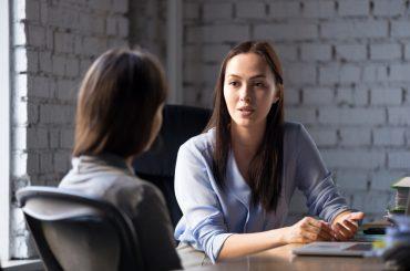 Запитайте юриста: що робити, якщо вас відмовляються брати на роботу через те, що розмовляєте українською?