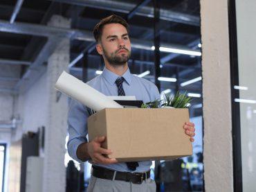 Запитайте юриста: роботодавець порушує трудові права – як звільнитися?